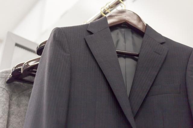 紳士服業界の現状とは?スーツ販売が低迷している今、早めの転職を視野に