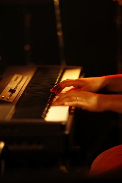 ピアノ弾き語が上達するためにまず覚える事とは?初心者でも上手くなる方法