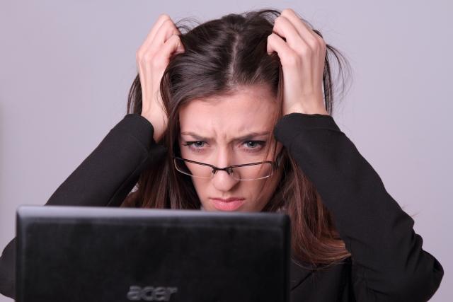 仕事中のイライラは2つの対策で解消できる。すぐに試せる方法を紹介