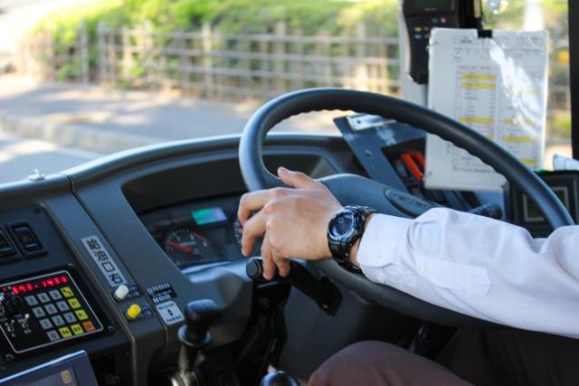 バスの運転手がきつい仕事といわれる理由とは?早めの転職も考えよう