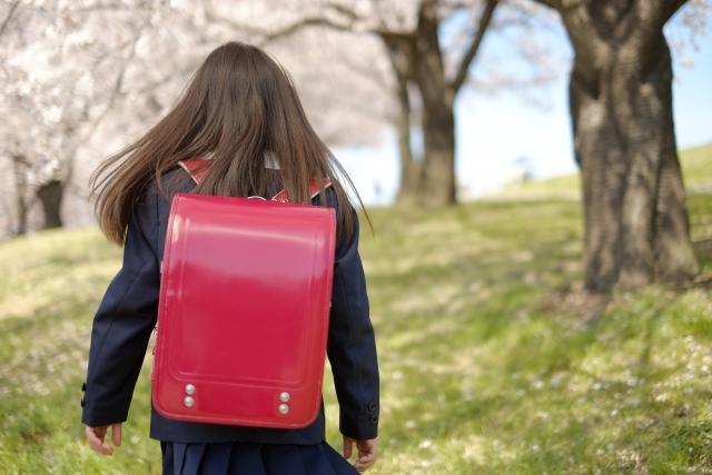 小学生の不登校は学年に応じた対応が必要。学年別に詳しく解説。