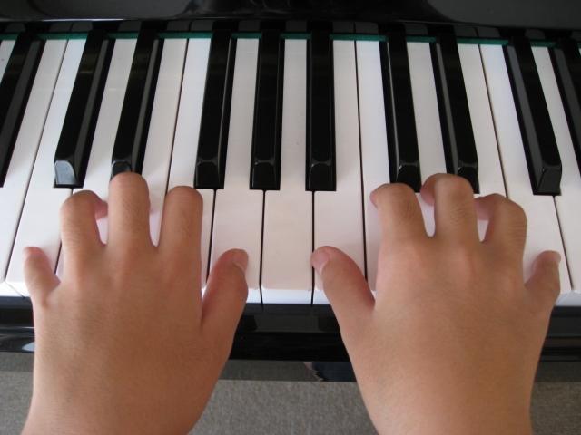 ピアノの基本の弾き方。基礎をしっかり練習することで上達が早くなる!