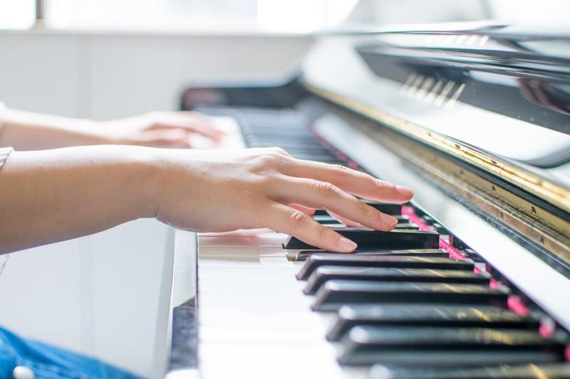 ピアノ初心者の大人でも、独学でピアノが弾けるようになる練習方法