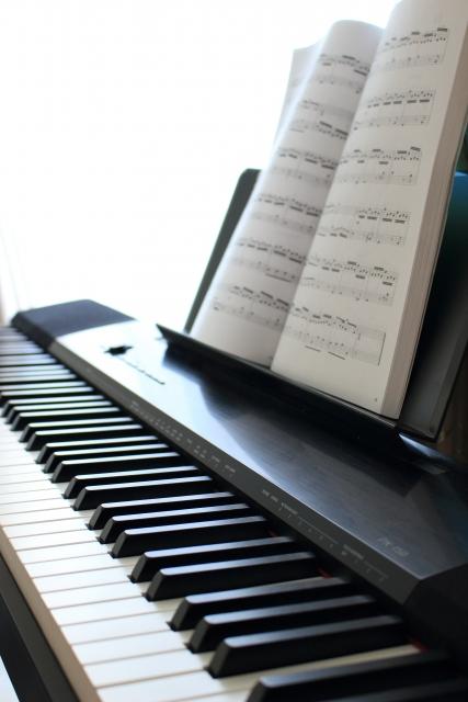 ピアノ初心者の曲の選び方。ジャンル別に詳しくご紹介。