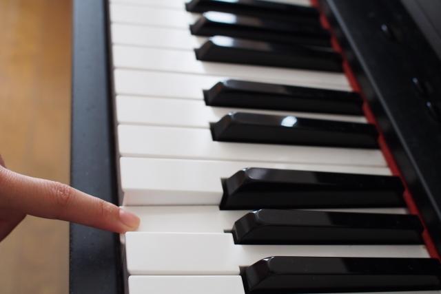 ピアノ初心者に試してほしい5つのステップ。独学でも上達できる方法