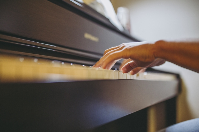 大人からのピアノを弾きたい!初心者と経験者で違う練習の進め方。