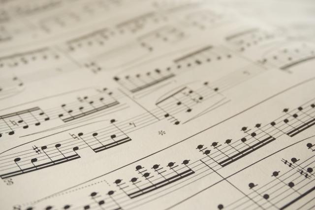 簡単にピアノを弾きたい!初心者でも弾きやすいハ長調の楽譜。