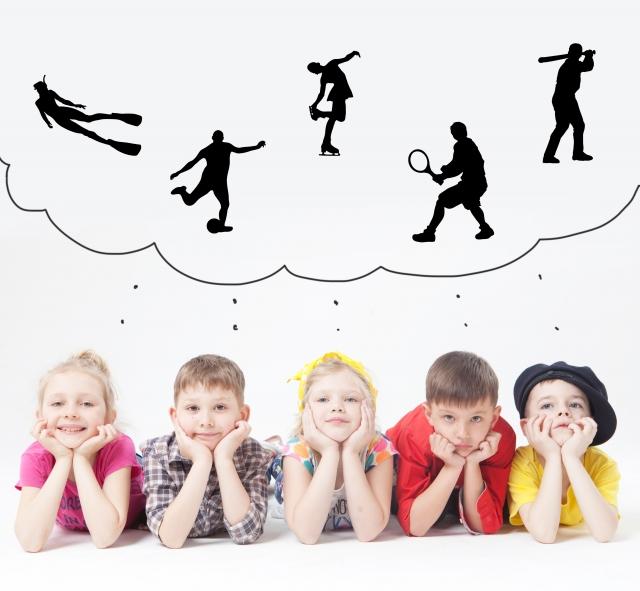子供の習い事はいつから始める?おすすめの習い事を年齢別にご紹介。
