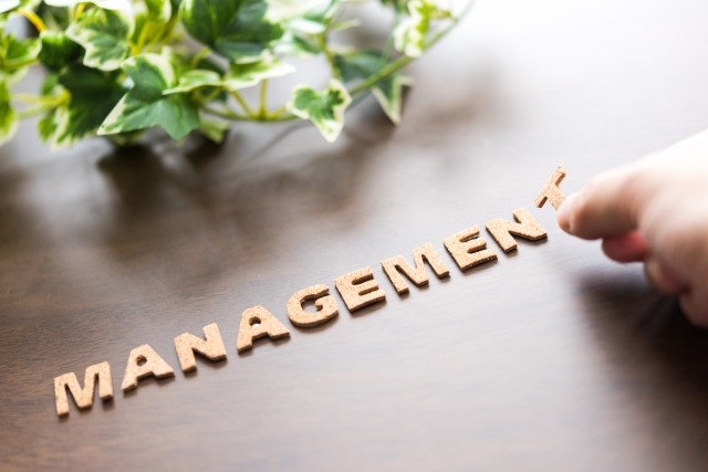芸能マネージャーの仕事内容とは?楽しいだけじゃ務まらない大変な職業。