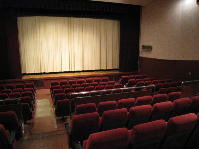 映画館の社員の仕事内容とは?激務と言われる映画館スタッフの仕事内容とは。