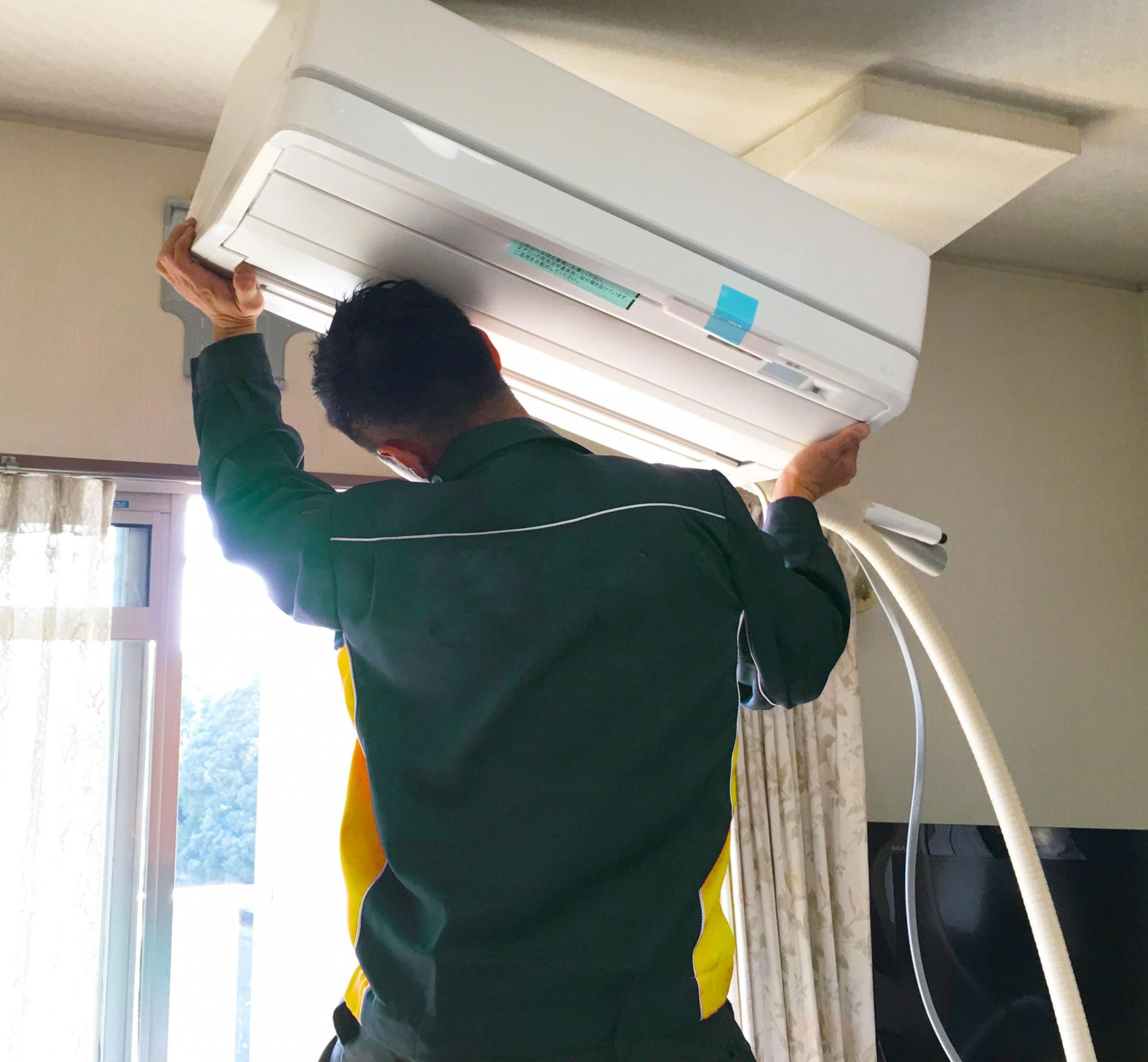 空調設備の仕事がきつい理由。続けるメリットがあるのか詳しく解説。