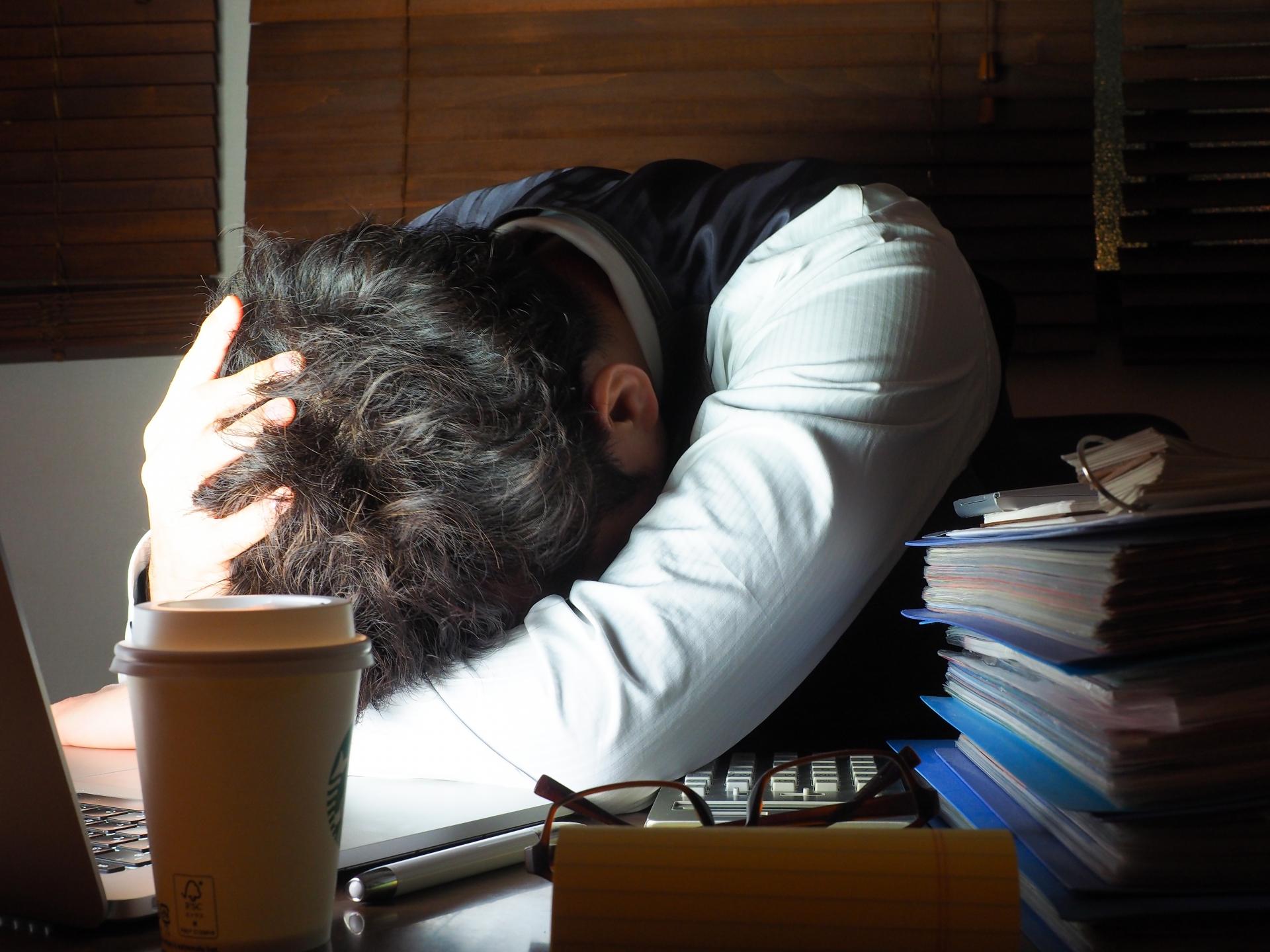 残業が多すぎでやめたいと感じたとき、試してほしい5つの改善方法。