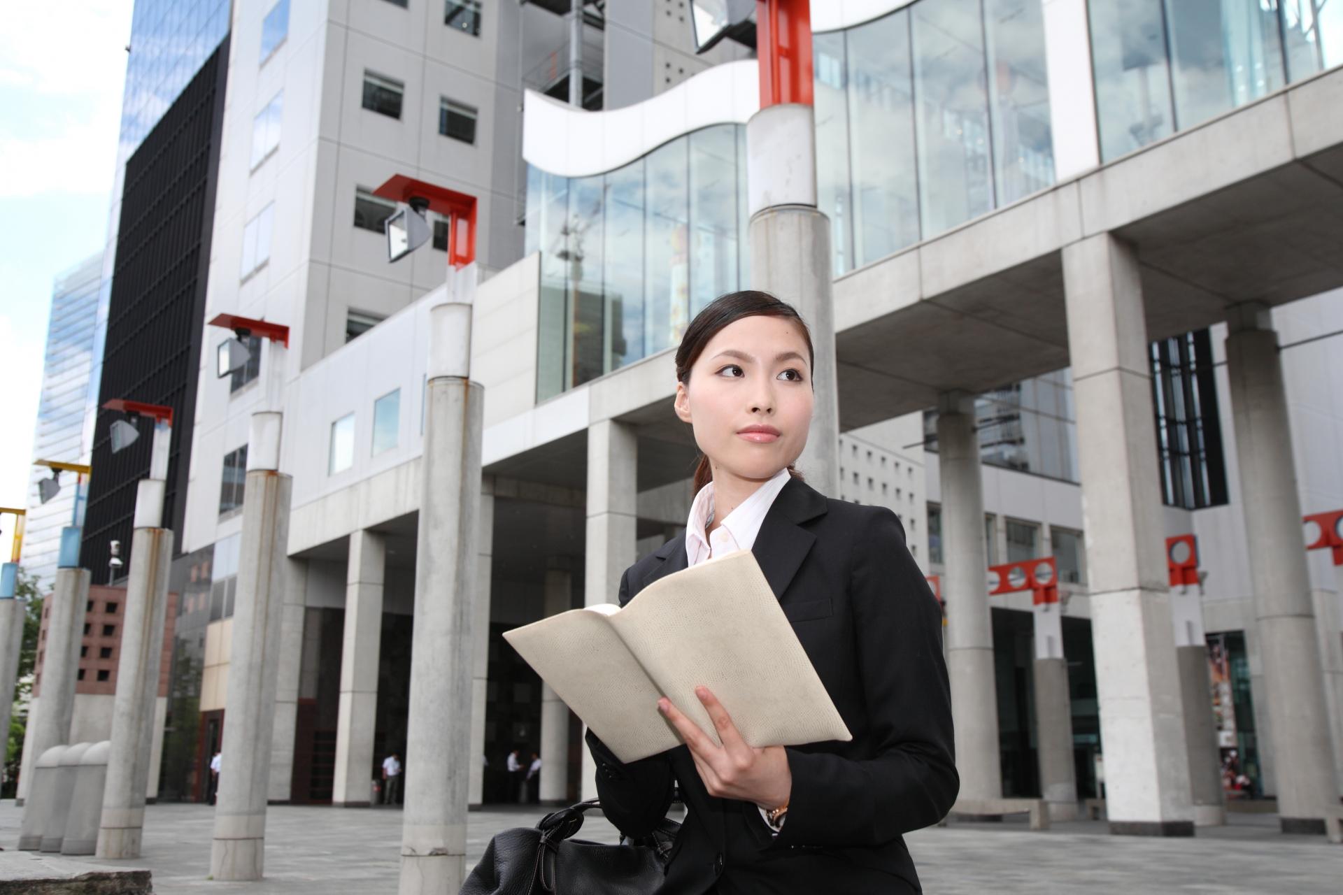 営業職の女性が抱える悩みとは?女性ならではの辛い現状とは。