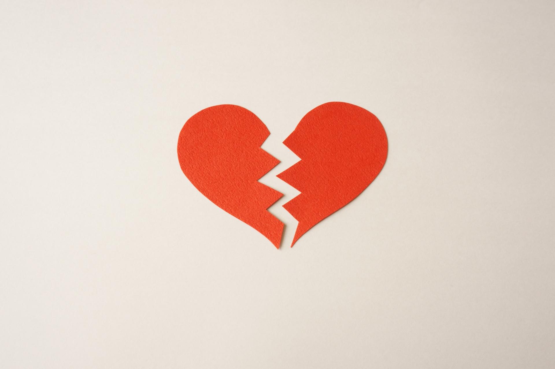 20代女性たちの失恋エピソード5選。衝撃的な失恋から立ち直る方法も紹介