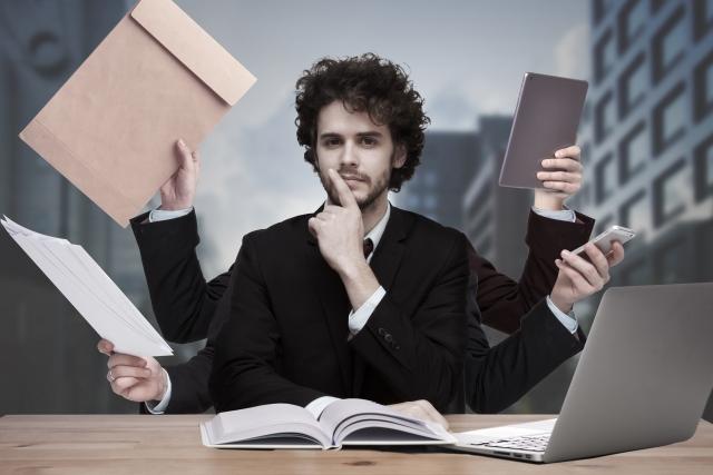 仕事が忙しくて別れた彼氏と復縁したい時気をつける3つのこととは?