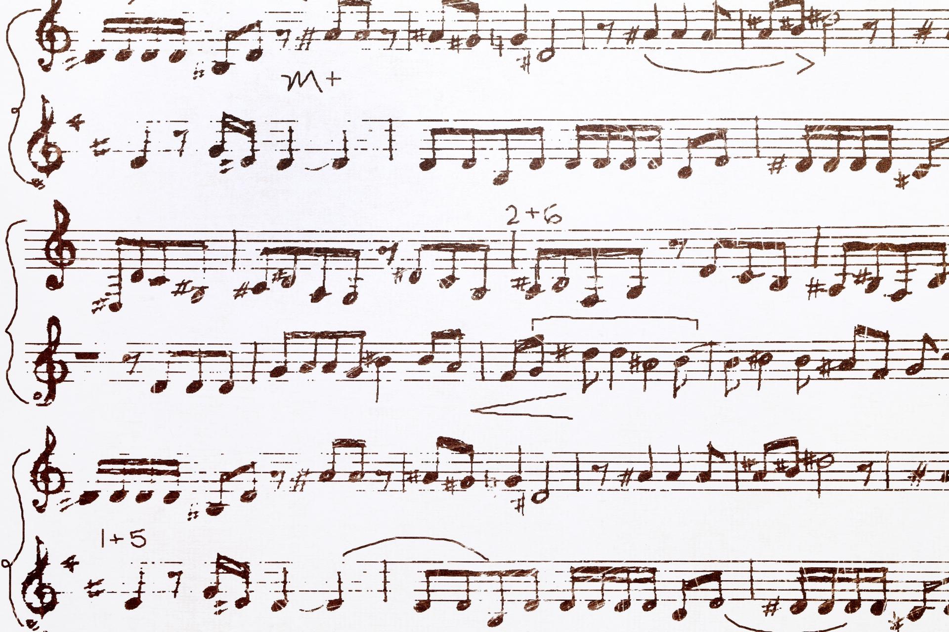 小学生のピアノの平均的な進度。今弾いている曲のレベルとは?