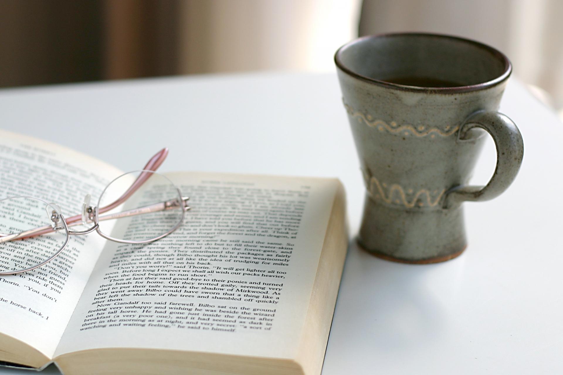 小説で親しむ哲学。思想と人間が同時に学べるおすすめの小説5選