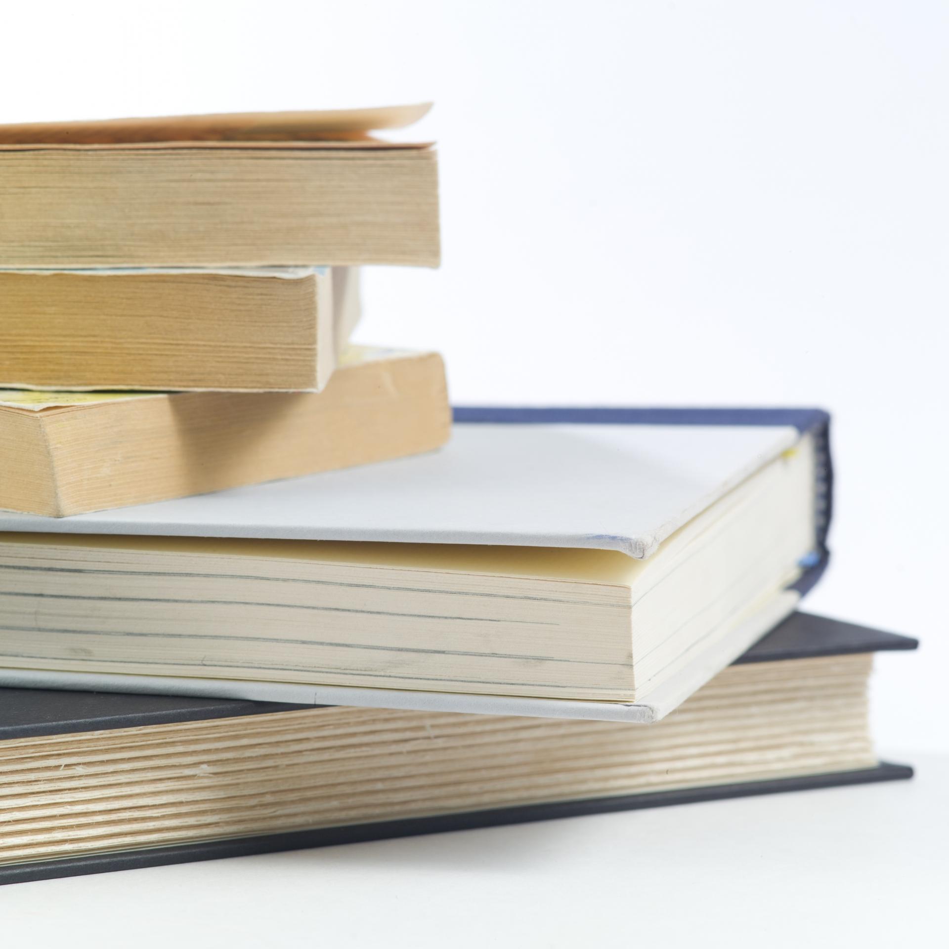 プラトンの思想を効率よく学ぶために、まず読むべき5つの著書をご紹介