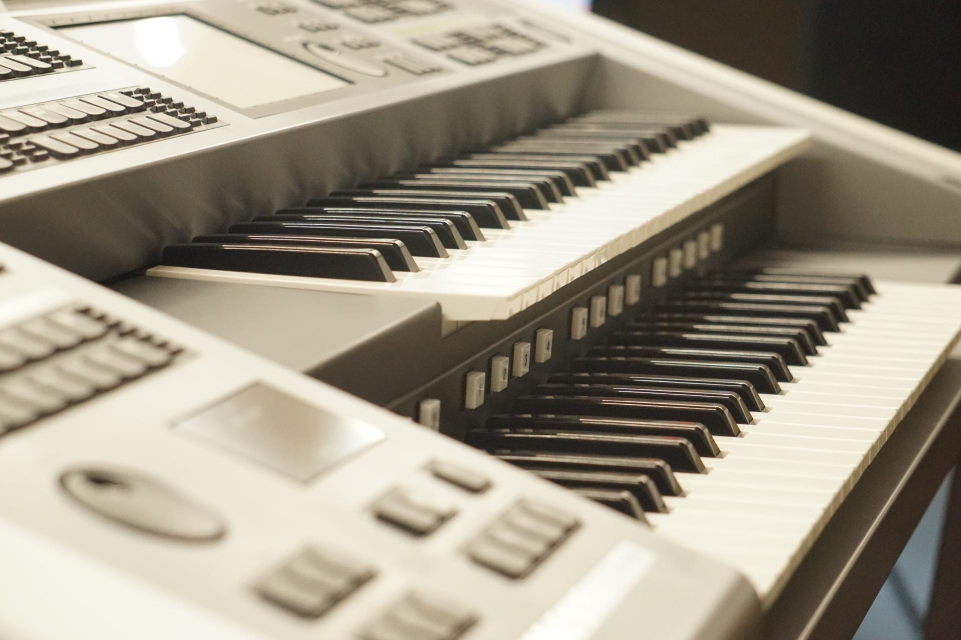 ピアノとエレクトーンの違いとは?子どもの習い事はどっちがいい?