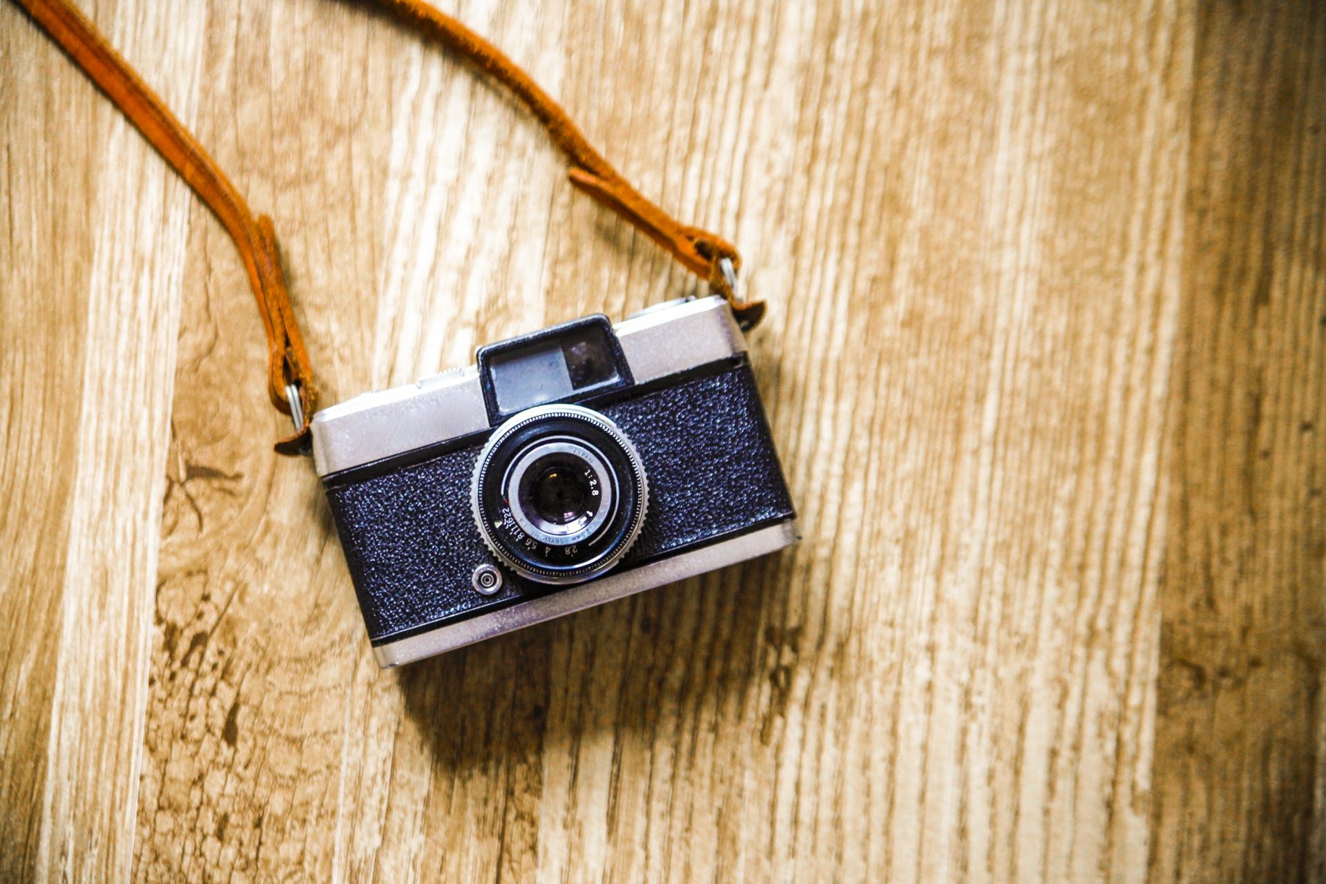 写真を取りたがる人に心理とは?写真好きな人への対処法。